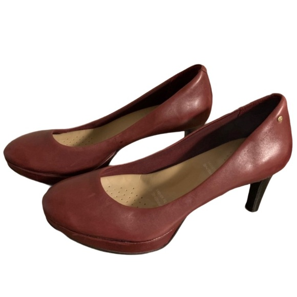Rockport Shoes - Rockport Adidas Maroon Pumps - Women's Size 7.5
